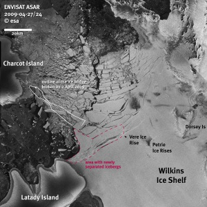 Wilkins Ice Shelf Breaks up on Antractica