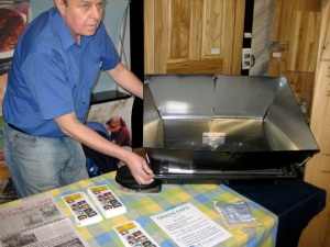 Hawk's solar oven